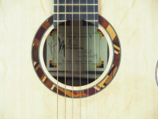 Kevin Muiderman luthier guitare acoustique No 19MUI223-08