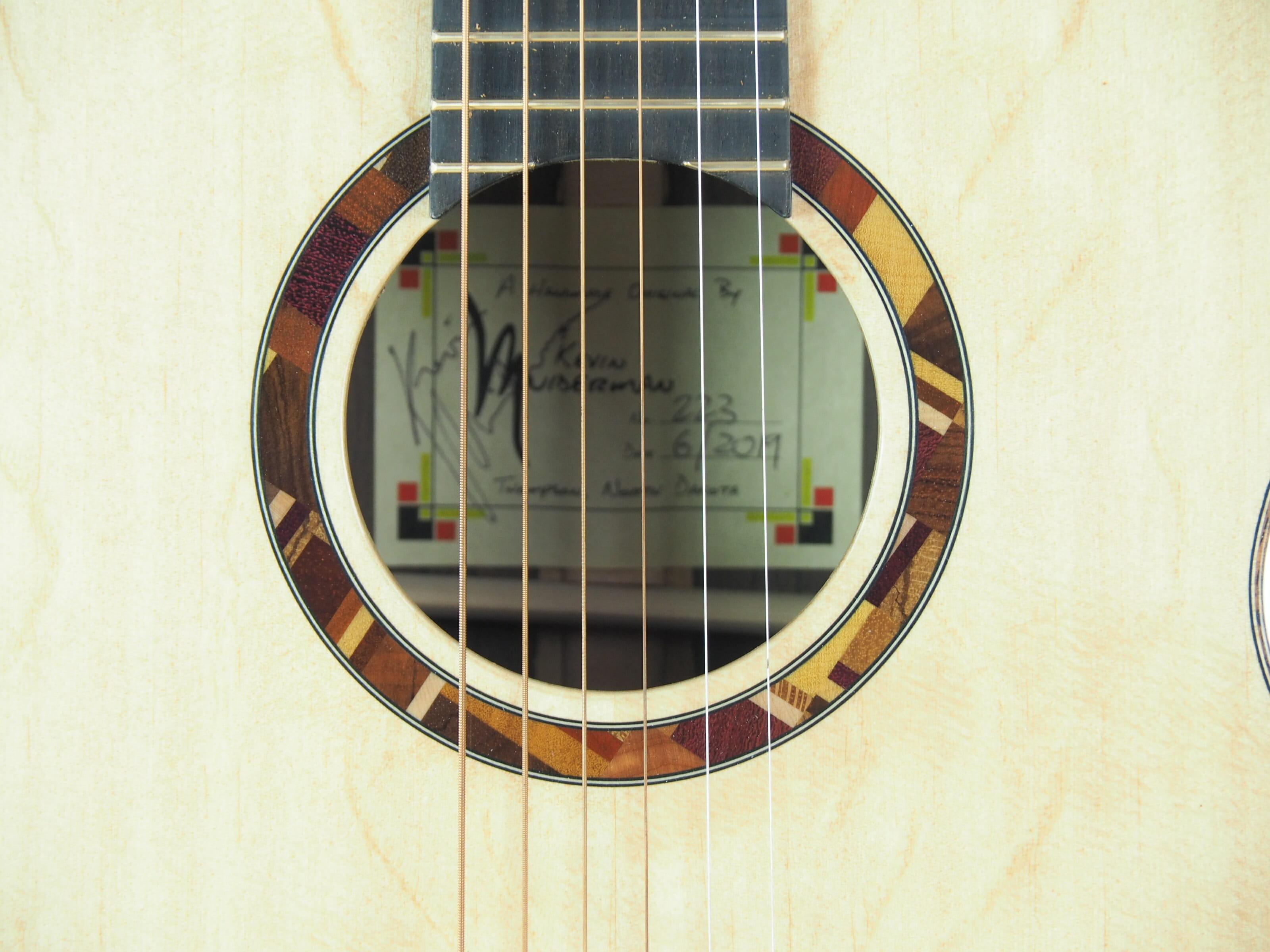 Kevin Muiderman luthier guitare acoustique No 19MUI223-08