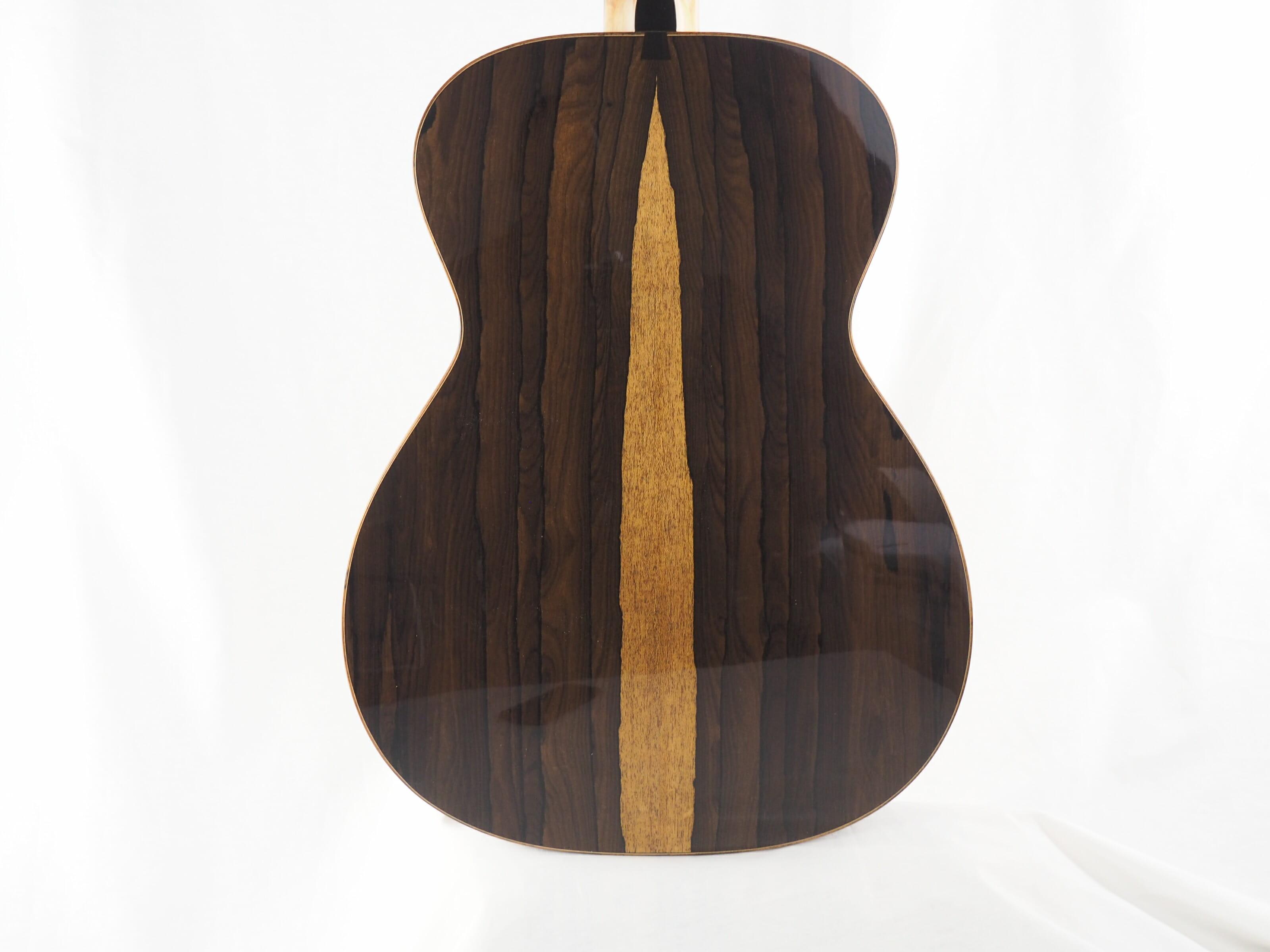 Kevin Muiderman luthier guitare acoustique No 19MUI223-04