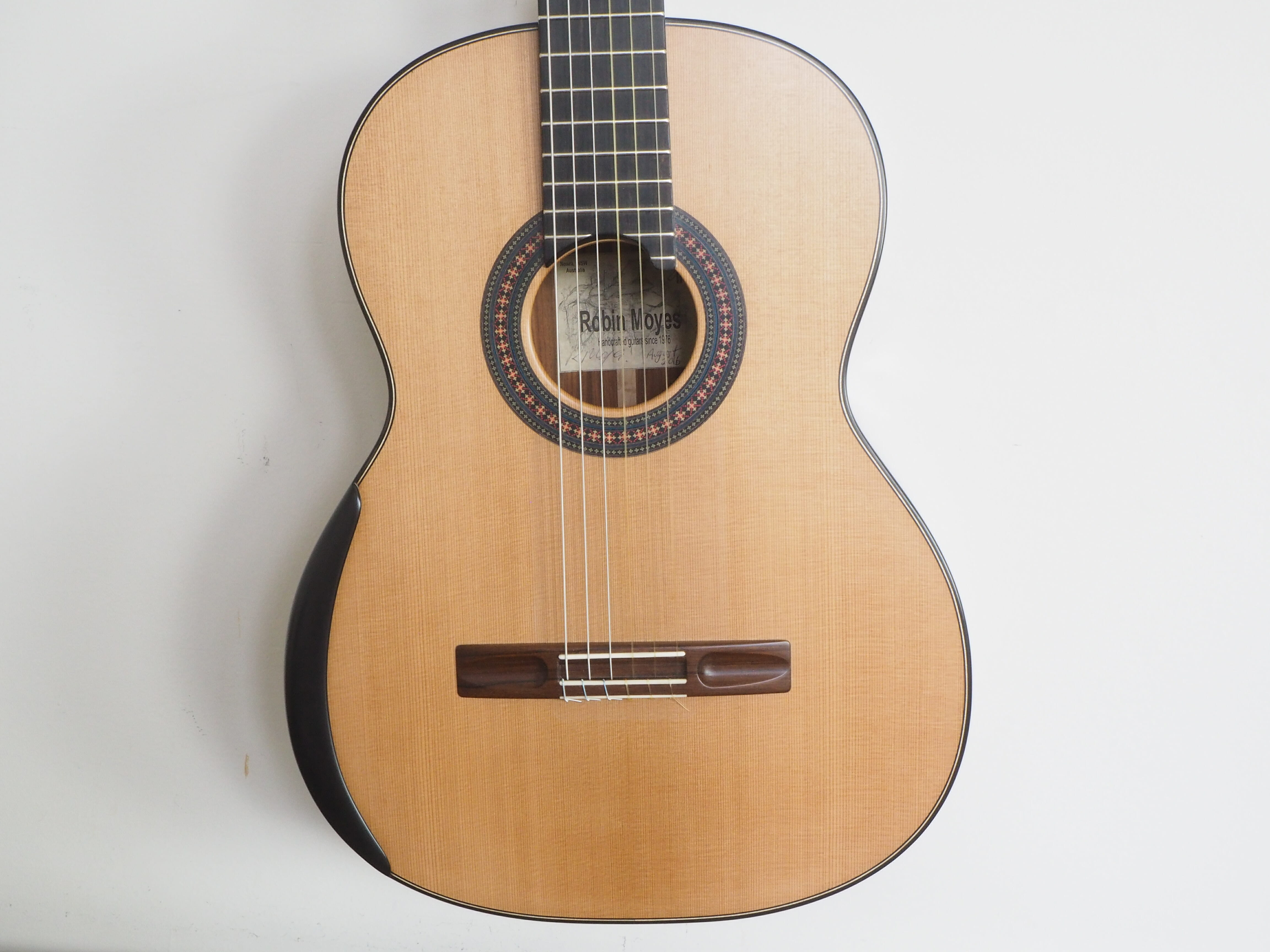 Robin Moyes luthier guitare classique