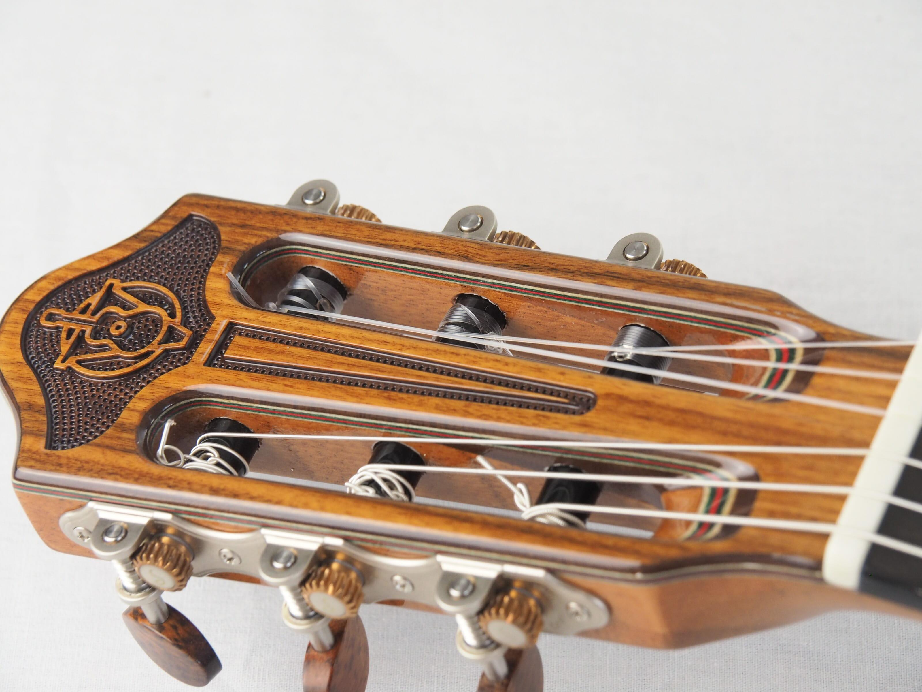 Luthier Vasilis Vasileiadis guitare classique no. 19VAS156-03