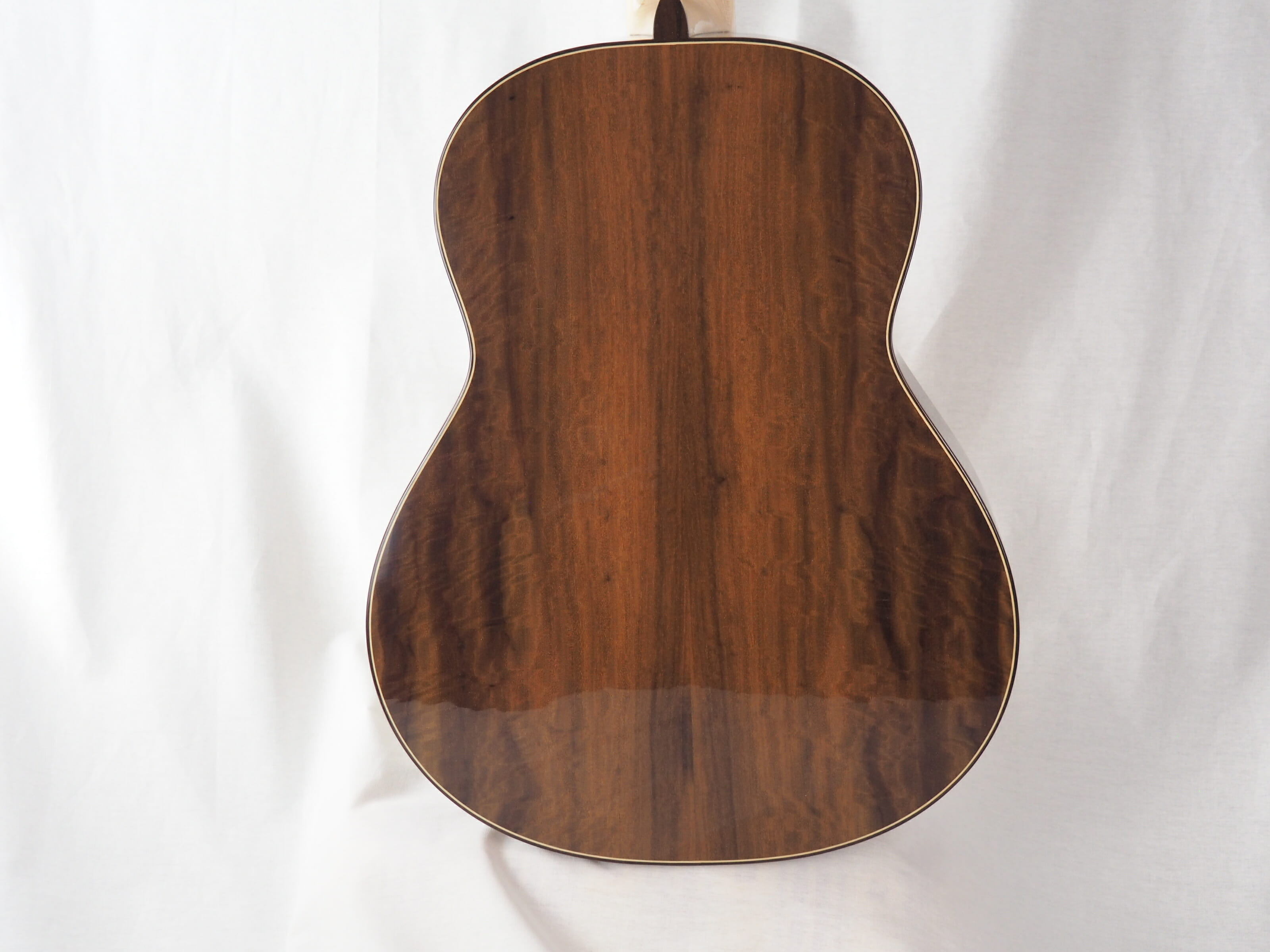 Luthier Jeroen Hilhorst Guitare classique No 131 19HIL131-04