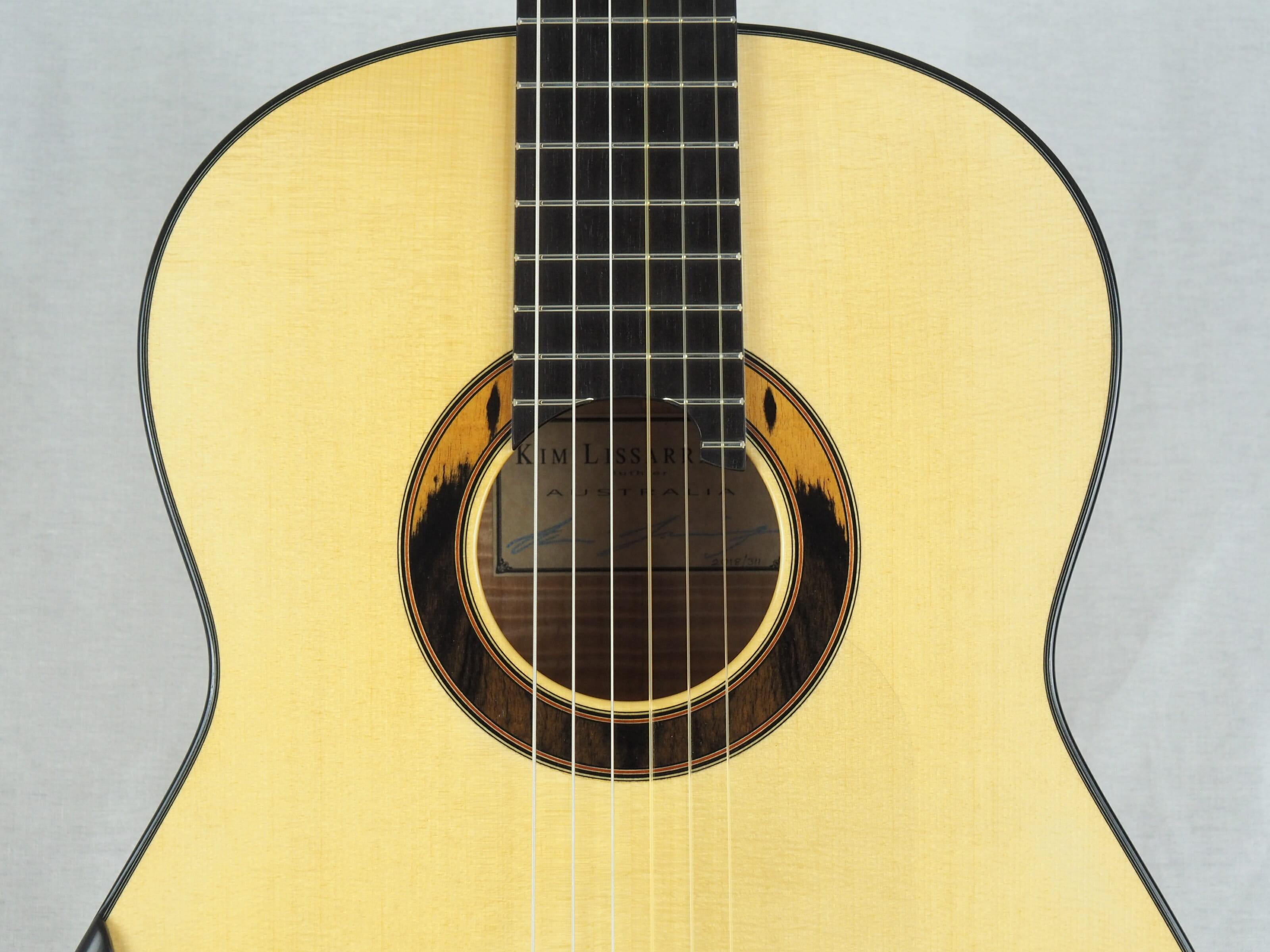 Kim Lissarrague guitare classique luthier No 19LIS311-16