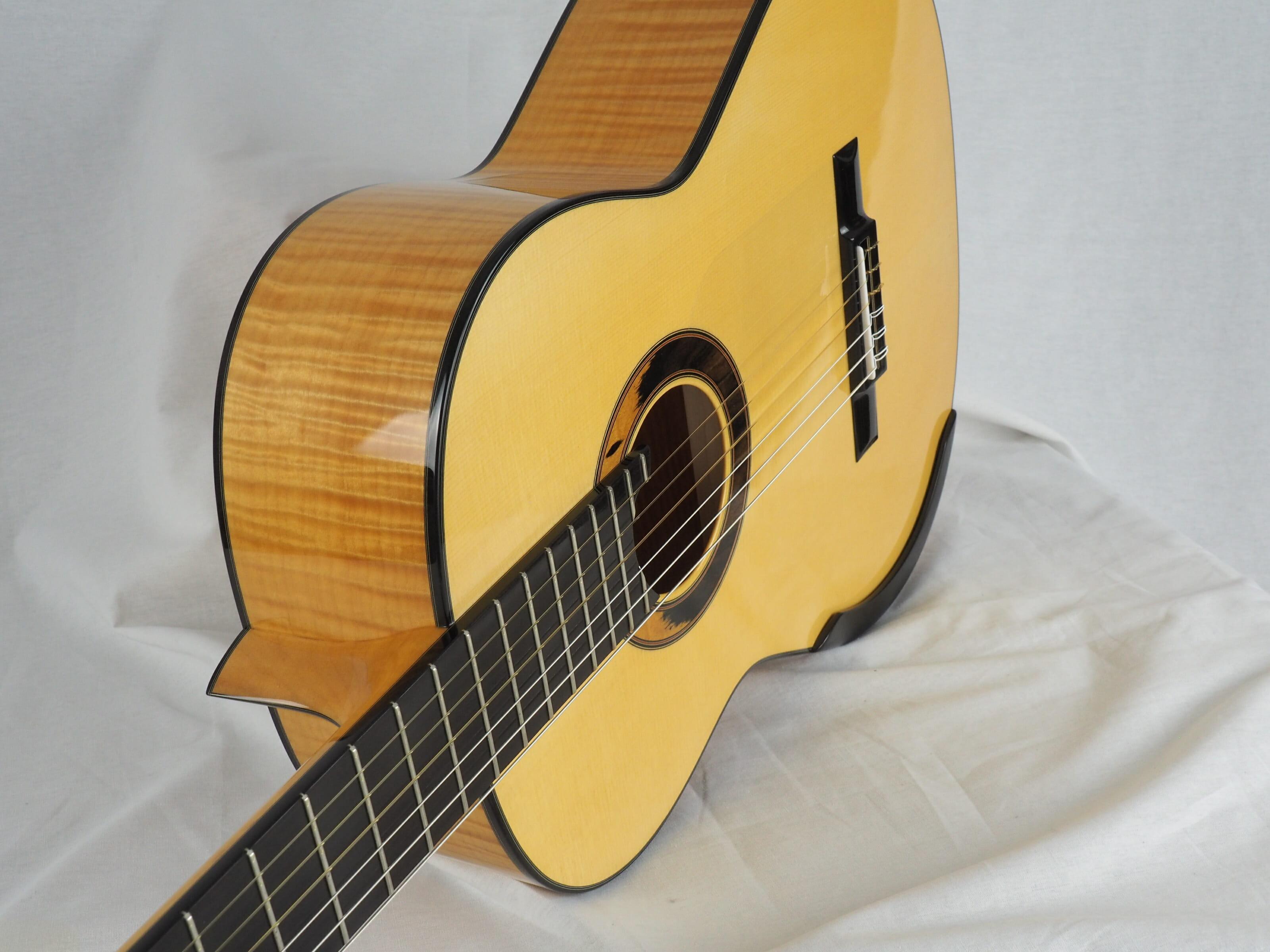 Kim Lissarrague guitare classique luthier No 19LIS311-05