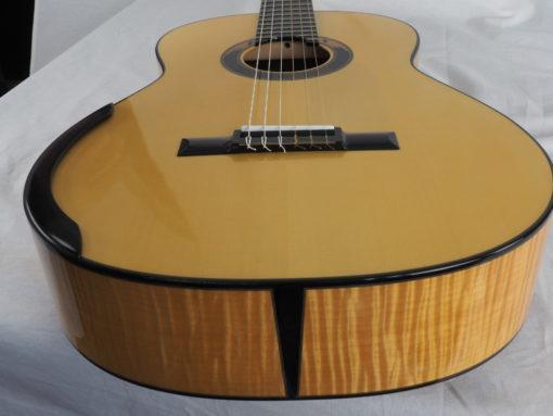 Kim Lissarrague guitare classique luthier No 19LIS311-04