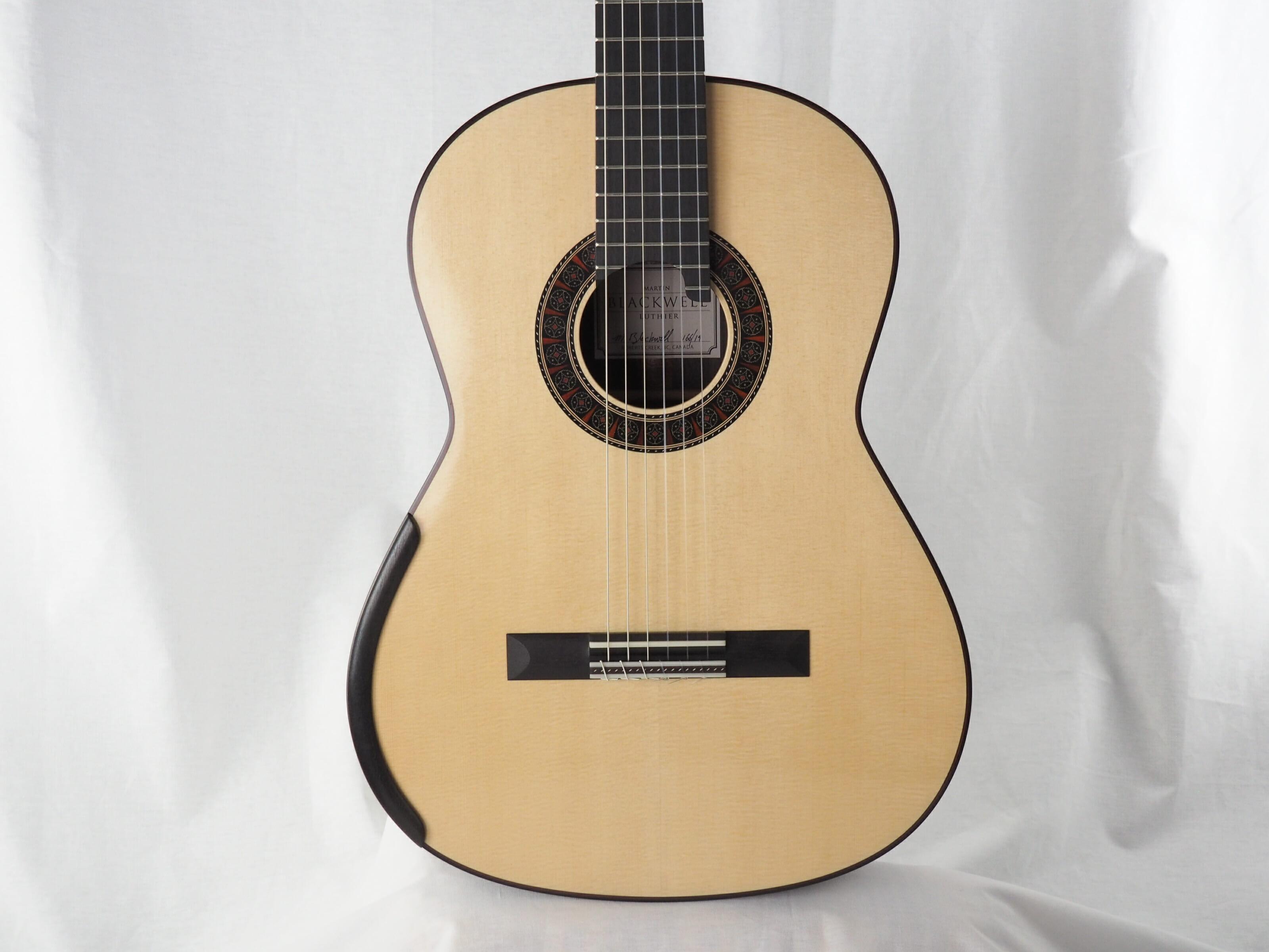 Martin Blackwell luthier guitare classique No 19BLA166-08