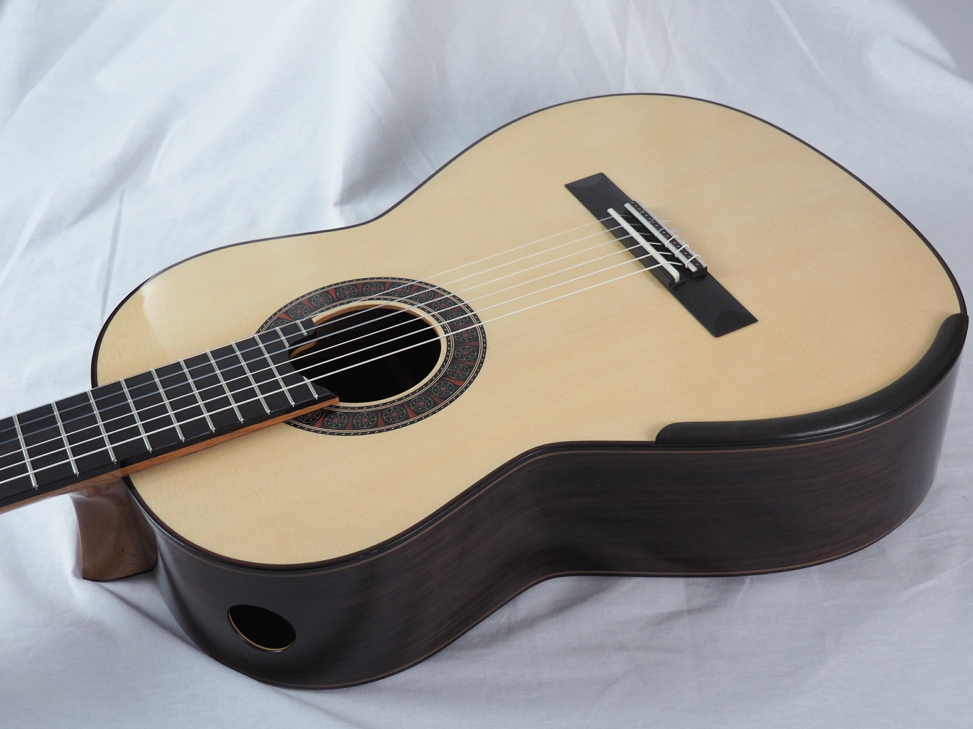 Martin Blackwell luthier guitare classique No 19BLA166-02
