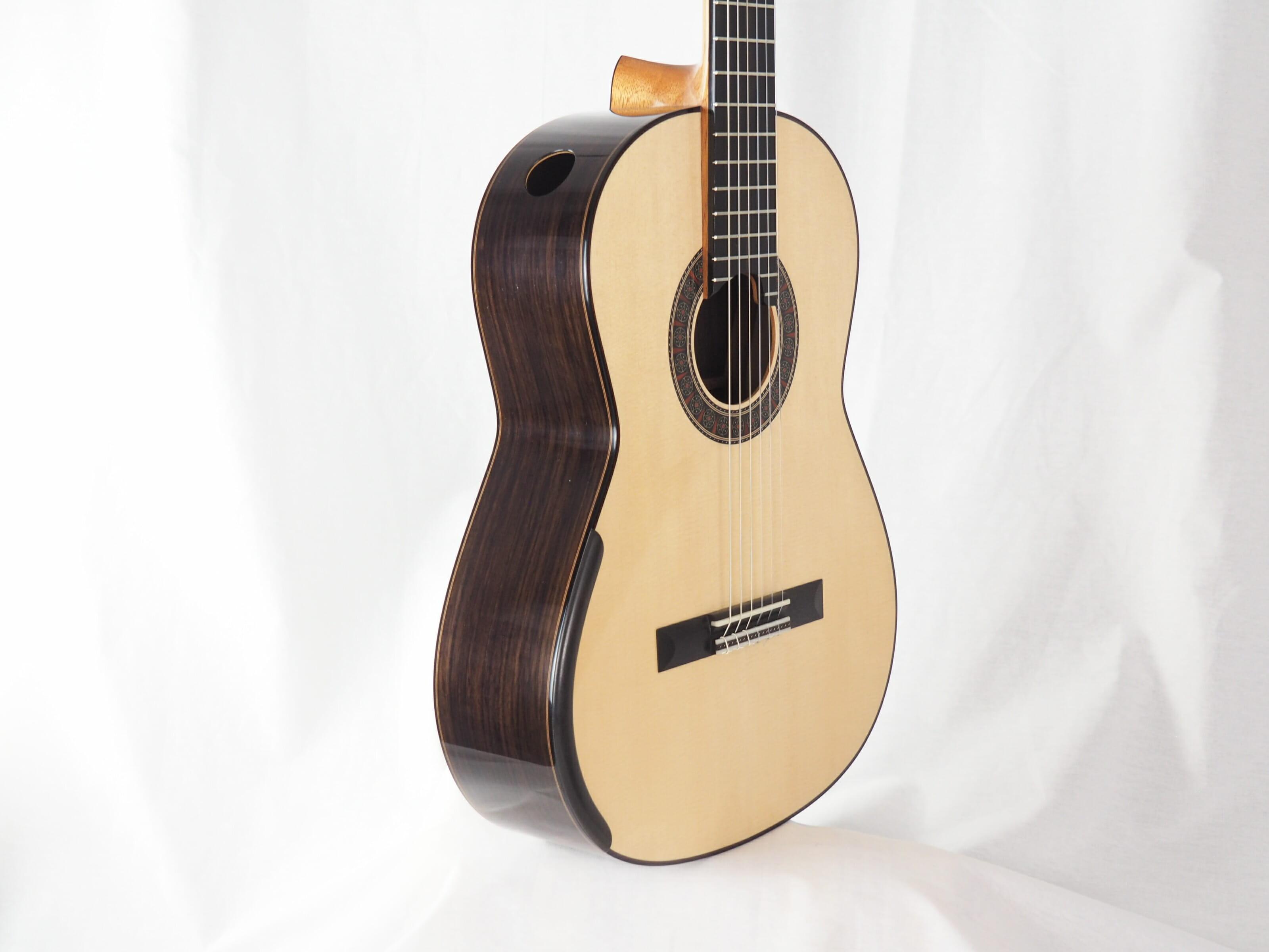 Martin Blackwell luthier guitare classique No 19BLA166-05