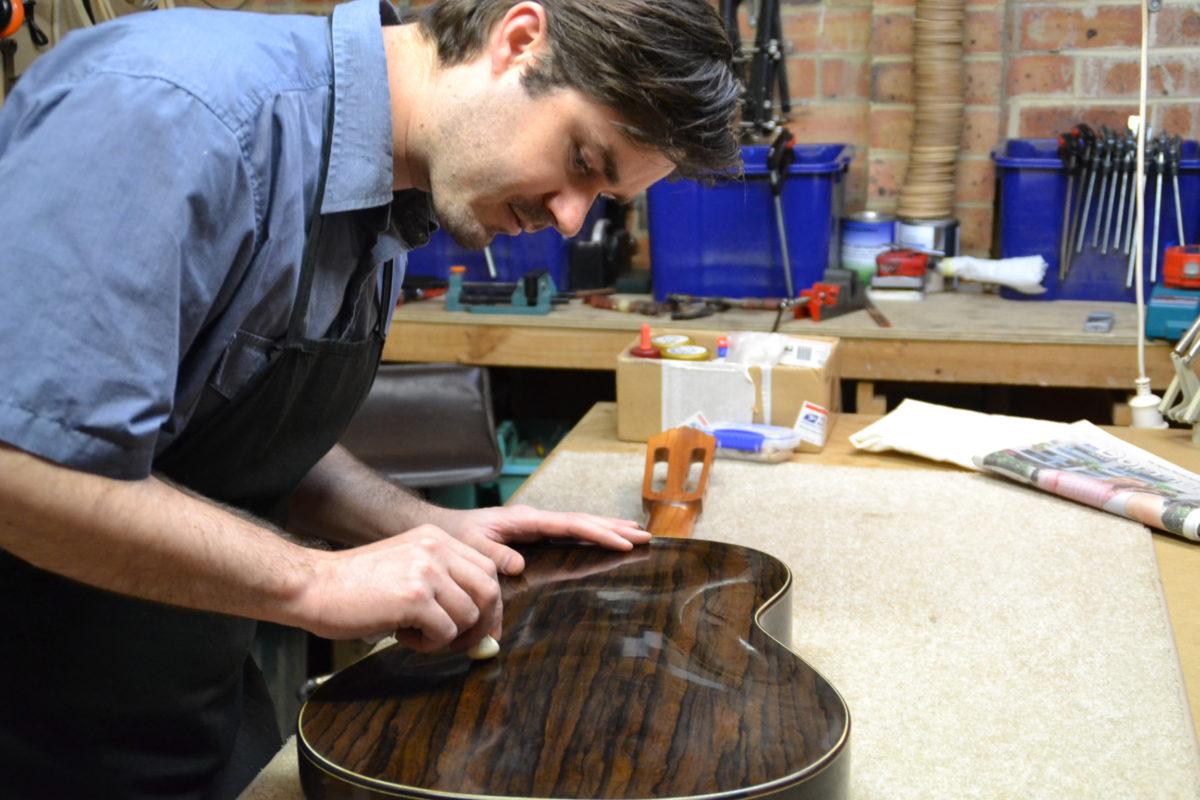 atelier luthier kim lissarrague